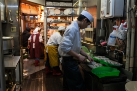 Tsukiji - breakfast providers