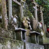 Fushimi Inari - fox guardians (IMG_7948)