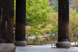 Sanmon Gate - passing through pic 3