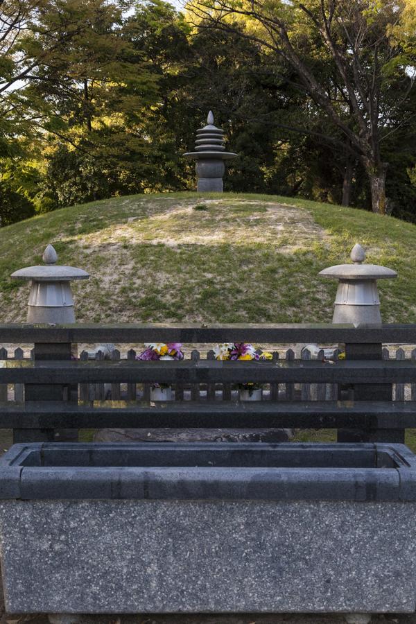 Memorial Mound - pic 1