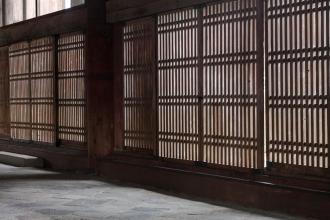 Screen doors at Todaiji Temple - Nara