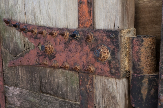 Door hinge - Himeji Castle