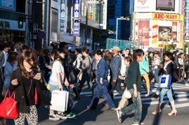 61-08-shinjuku-streets-pic-3-img_1177
