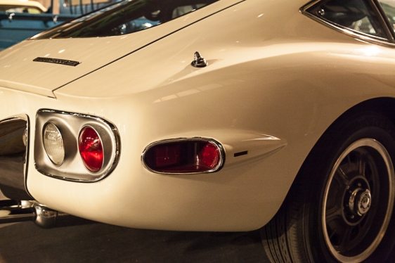 Toyota 2000GT - pic 2