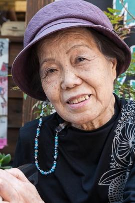 69.07 Woman in Asakusa (IMG_0757)